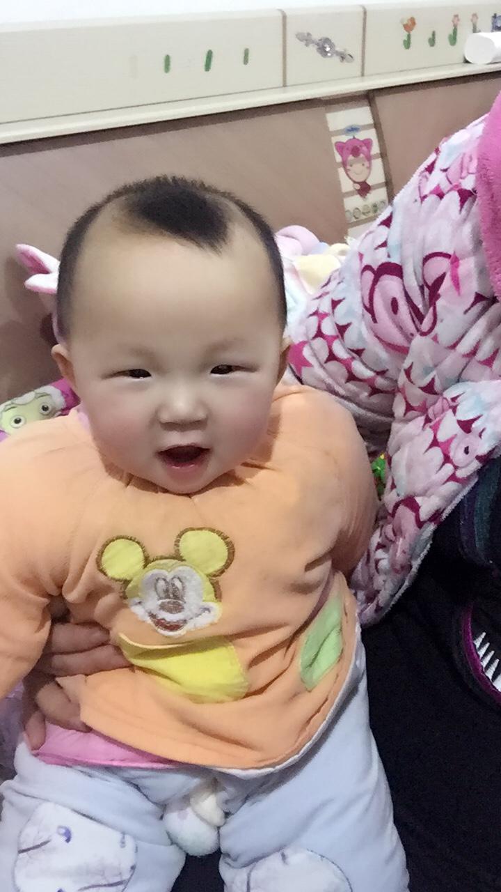 女宝宝8个月,体重8公斤,身高70公分发育正常吗