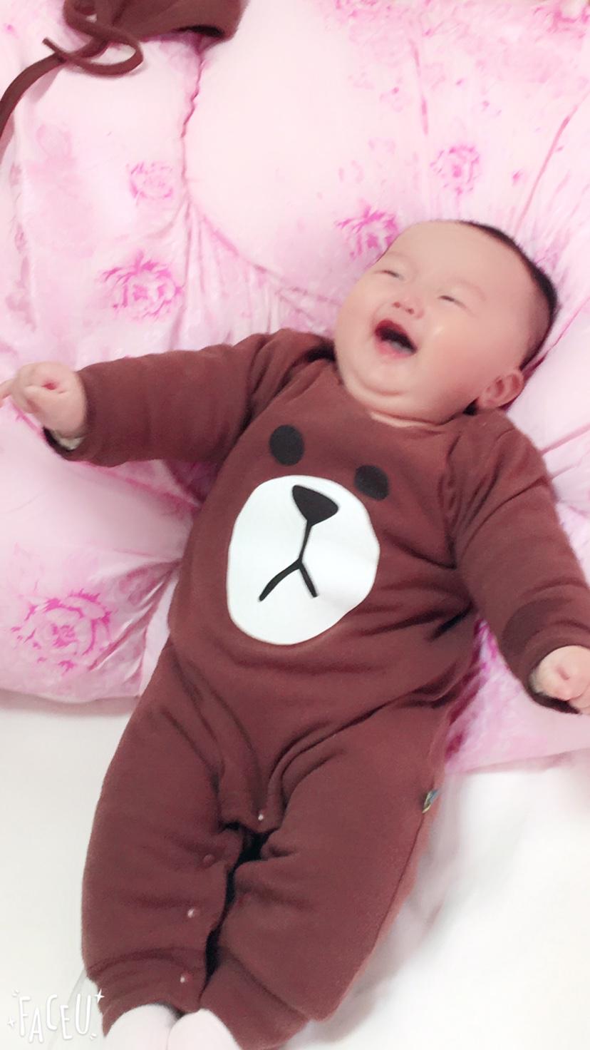 宝宝三个月29天,一直吃母乳,想着要不要添加辅